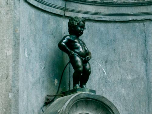 Писающий мальчик, Брюссель